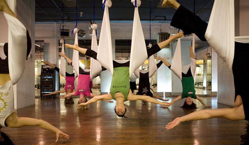 Antigravity Yoga Das Workout Im Schwebenden Tuch Loft1